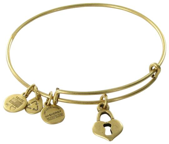 Preload https://item4.tradesy.com/images/alex-and-ani-russian-gold-key-to-my-heart-expandable-ewb-card-box-bracelet-23476383-0-1.jpg?width=440&height=440