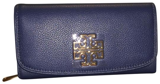 Preload https://img-static.tradesy.com/item/23476420/tory-burch-hudson-bay-britten-duo-envelope-continental-wallet-0-1-540-540.jpg