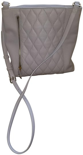 Preload https://img-static.tradesy.com/item/23476569/vera-bradley-quilted-pale-grey-leather-shoulder-bag-0-1-540-540.jpg