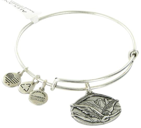 Preload https://item4.tradesy.com/images/alex-and-ani-russian-silver-guardian-of-freedom-expandable-ewb-card-bracelet-23476718-0-1.jpg?width=440&height=440