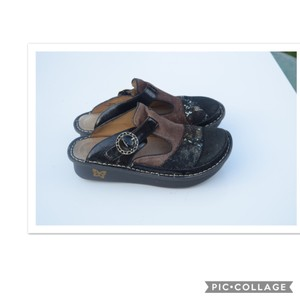 Alegria by PG Lite black & brown Mules
