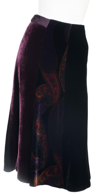 Preload https://img-static.tradesy.com/item/23482561/etro-purple-velvet-42-knee-length-skirt-size-6-s-28-0-1-650-650.jpg