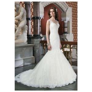 Justin Alexander Ivory Lace Beaded and Chantilly Mermaid Style 8702 Modern Wedding Dress Size 8 (M)