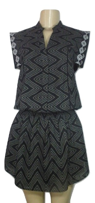 Preload https://img-static.tradesy.com/item/23483232/rebecca-minkoff-black-and-grey-button-down-with-white-floral-des-short-casual-dress-size-4-s-0-0-650-650.jpg