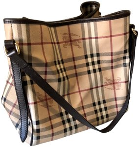 Burberry Canterbury Tote in Classic Check with chocolate lining