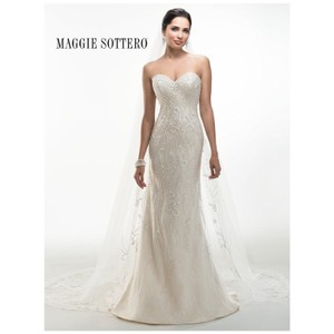 Maggie Sottero Ivory Light Gold Lace 'donna' Bridal Gown Modern Wedding Dress Size 8 (M)