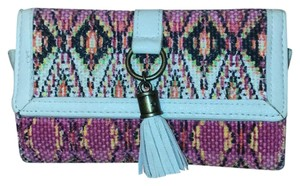 Claire's patterned Clutch