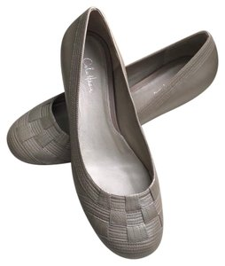 Cole Haan Leather Platinum Silver Flats