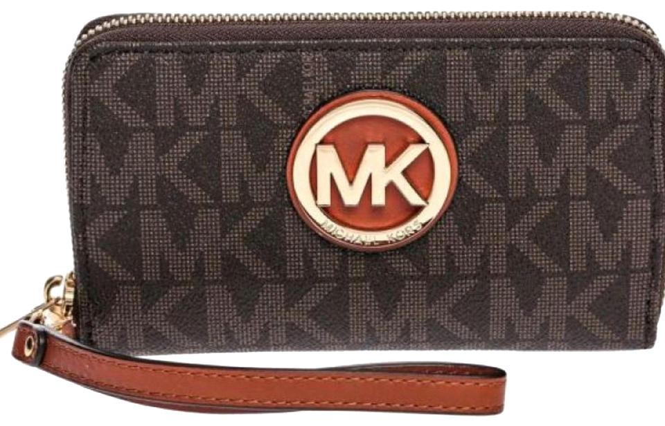 d03bf7441a4f Michael Kors Brown Signature Fulton Tech Accessory - Tradesy