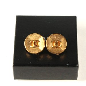 Chanel CHANEL Vintage CC Logos Earrings Gold-Tone Clip-On 6145A