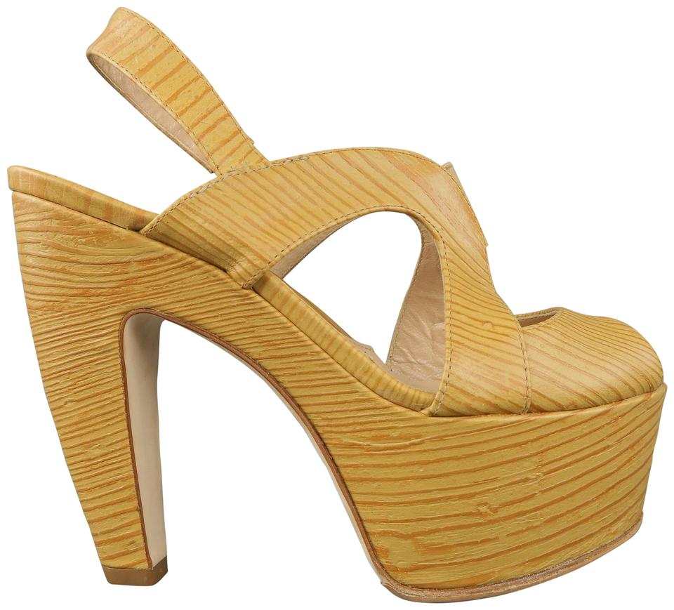 Fendi Embossed Beige Ood Embossed Fendi Leather Slingback Platform Sandals d5c341