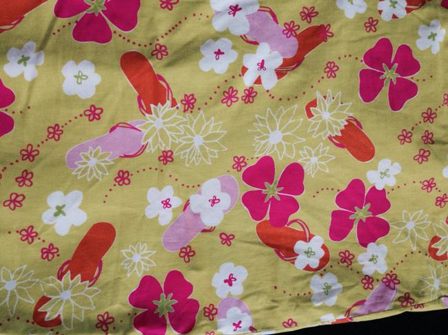 Lilly Pulitzer Casual Designer Light Weight Stretch Cotton Size 16 Summer Floral Pattern Yellow Yellow Capri/Cropped Pants Green pink