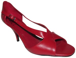Ann Marino Dressy Or Casual Slingback Style Open Toe Style New And Unworn Pop Of Color true red faux leather Pumps