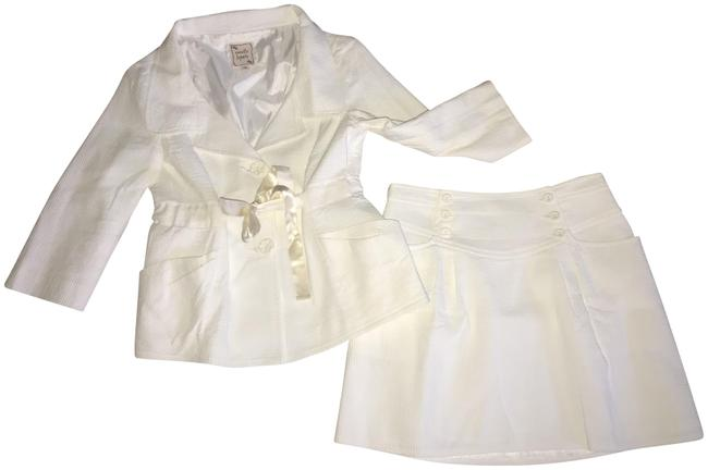 Item - White Pinstriped 2pc Lightweight Skirt Suit Size 6 (S)