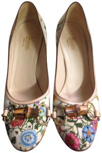 Gucci Leather multicolor floral-print canvas Pumps
