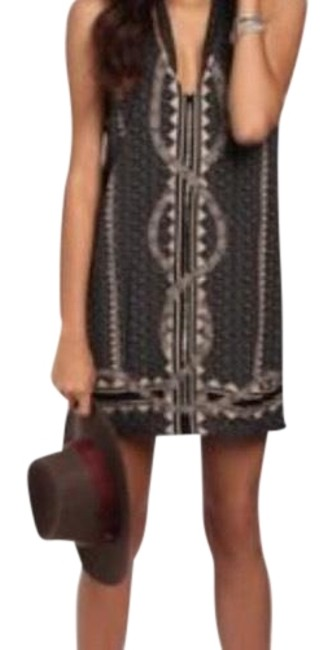 Preload https://img-static.tradesy.com/item/23494463/free-people-black-beaded-shift-short-night-out-dress-size-0-xs-0-1-650-650.jpg