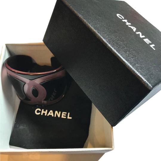 Preload https://img-static.tradesy.com/item/23494665/chanel-black-pink-thick-cuff-collectors-item-bracelet-0-2-540-540.jpg