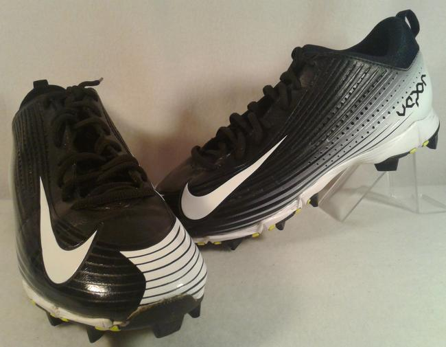 Item - Black and White Synthetic Men's Baseball Vapor Fastflex Cleat Shoes