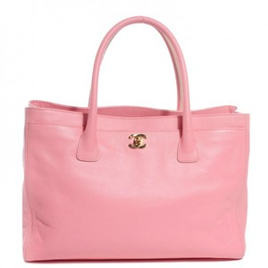 Chanel Cerf Calfskin Tote in Pink