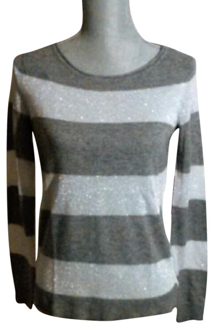 Preload https://img-static.tradesy.com/item/23495043/vince-camuto-carbon-heather-and-silver-lurex-light-weight-stripe-sz-large-sweaterpullover-size-14-l-0-1-650-650.jpg