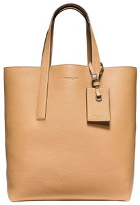 Michael Kors Reversible Sale Tote in Beige