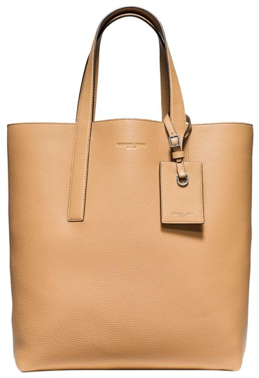 Preload https://img-static.tradesy.com/item/23495086/michael-kors-reversible-mason-beige-leather-tote-0-1-540-540.jpg