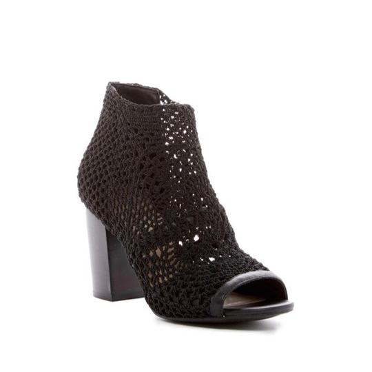 Preload https://img-static.tradesy.com/item/23495189/jessica-simpson-black-crochet-open-bootsbooties-size-us-8-regular-m-b-0-0-540-540.jpg