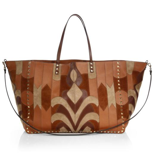 Preload https://img-static.tradesy.com/item/23495709/valentino-rockstud-reversible-patchwork-brown-camel-suede-leather-tote-0-0-540-540.jpg