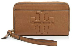 Tory Burch Wristlet in bark/brown/tan