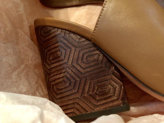 Tory Burch New Clog Leather NEW-ON SALE THIS WEEK WERE 289.00---IN-BOX-ROYAL TAN Boots