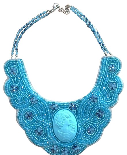 Preload https://img-static.tradesy.com/item/23496030/blue-vintage-necklace-0-1-540-540.jpg