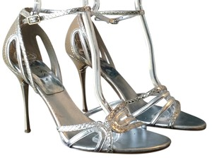 Guess In Silver Pumps