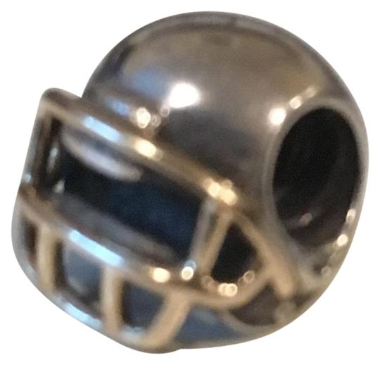 Preload https://img-static.tradesy.com/item/23496272/pandora-silve-and-gold-silvergold-football-helmet-retired-charm-0-1-540-540.jpg