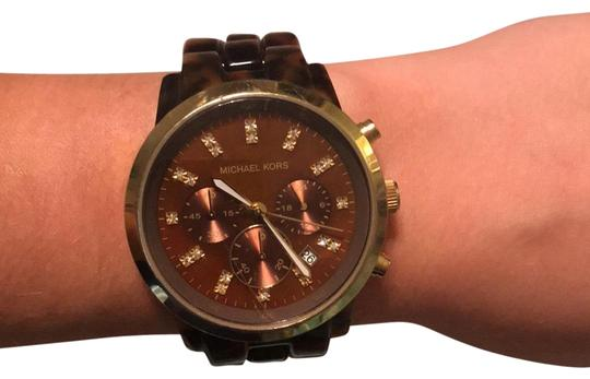 Preload https://img-static.tradesy.com/item/23496359/michael-kors-brown-and-gold-mk-5216-watch-0-1-540-540.jpg