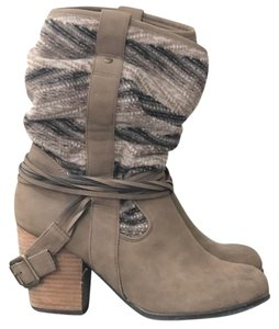 Bakers Faux Leather Taupe Boots