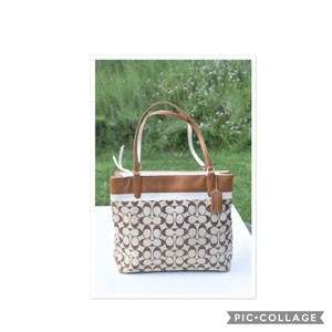 Coach Tote in tan/cream
