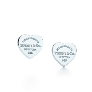 Tiffany & Co. Mini heart tag earrings