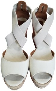 b3652a2f95d9 Tory Burch Sandals - Up to 90% off at Tradesy
