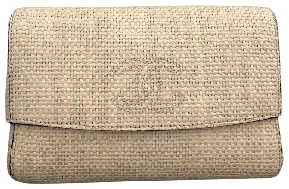 2a51e3ed399 Chanel Clutch Raffia Box Beige Straw Clutch