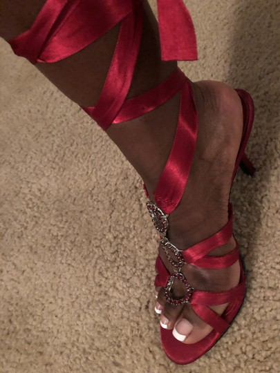 Fioni Red Formal Image 3
