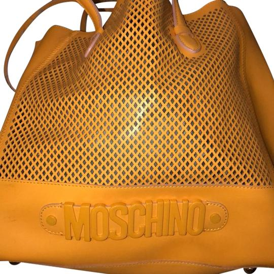 Preload https://img-static.tradesy.com/item/23510355/moschino-yellow-leather-satchel-0-1-540-540.jpg