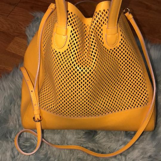 Moschino Satchel in yellow Image 3