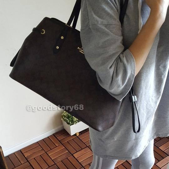 Coach Tote in Brown/Black Image 9