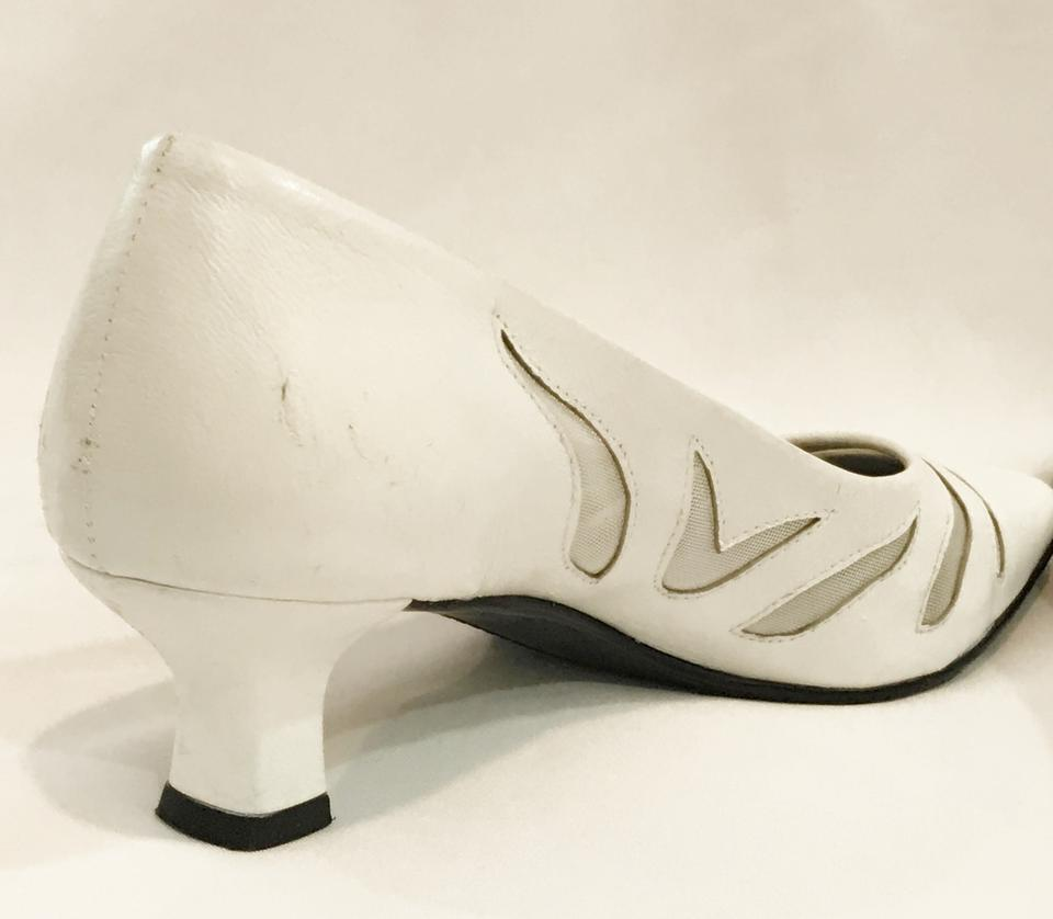 da462ef32e6 Vaneli Racilia Kitten Heels Day Evening White Pumps Image 9. 12345678910