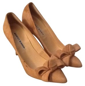 Manolo Blahnik Forsale Shopping Lisane Tan Pumps