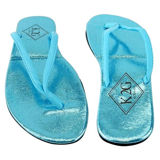 Preload https://img-static.tradesy.com/item/23516110/blue-ladies-folding-flip-flops-with-pouch-spa-beach-pool-sandals-size-us-95-regular-m-b-0-0-540-540.jpg