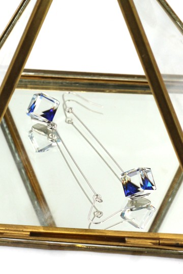 Ocean Fashion Square blue crystal wire earrings Image 1