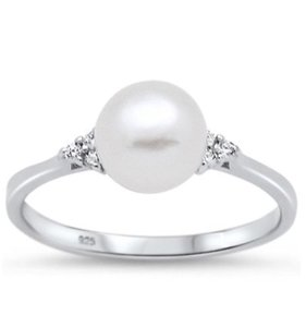 9.2.5 Gorgeous pearl classic cocktail ring size 7