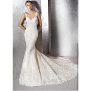 St. Patrick Off White Zaret Mermaid Modern Wedding Dress Size 10 (M)