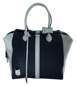 Louis Vuitton Cuir Gourmand Tote in Navy & White